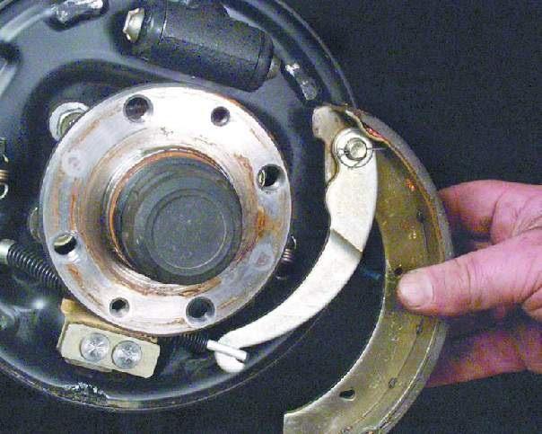 Замена задних тормозных колодок на ваз 2109 своими силами